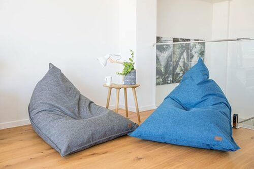 Phenomenal Large Triangle Bean Bag Komfort Mooi Living Bean Bags Unemploymentrelief Wooden Chair Designs For Living Room Unemploymentrelieforg
