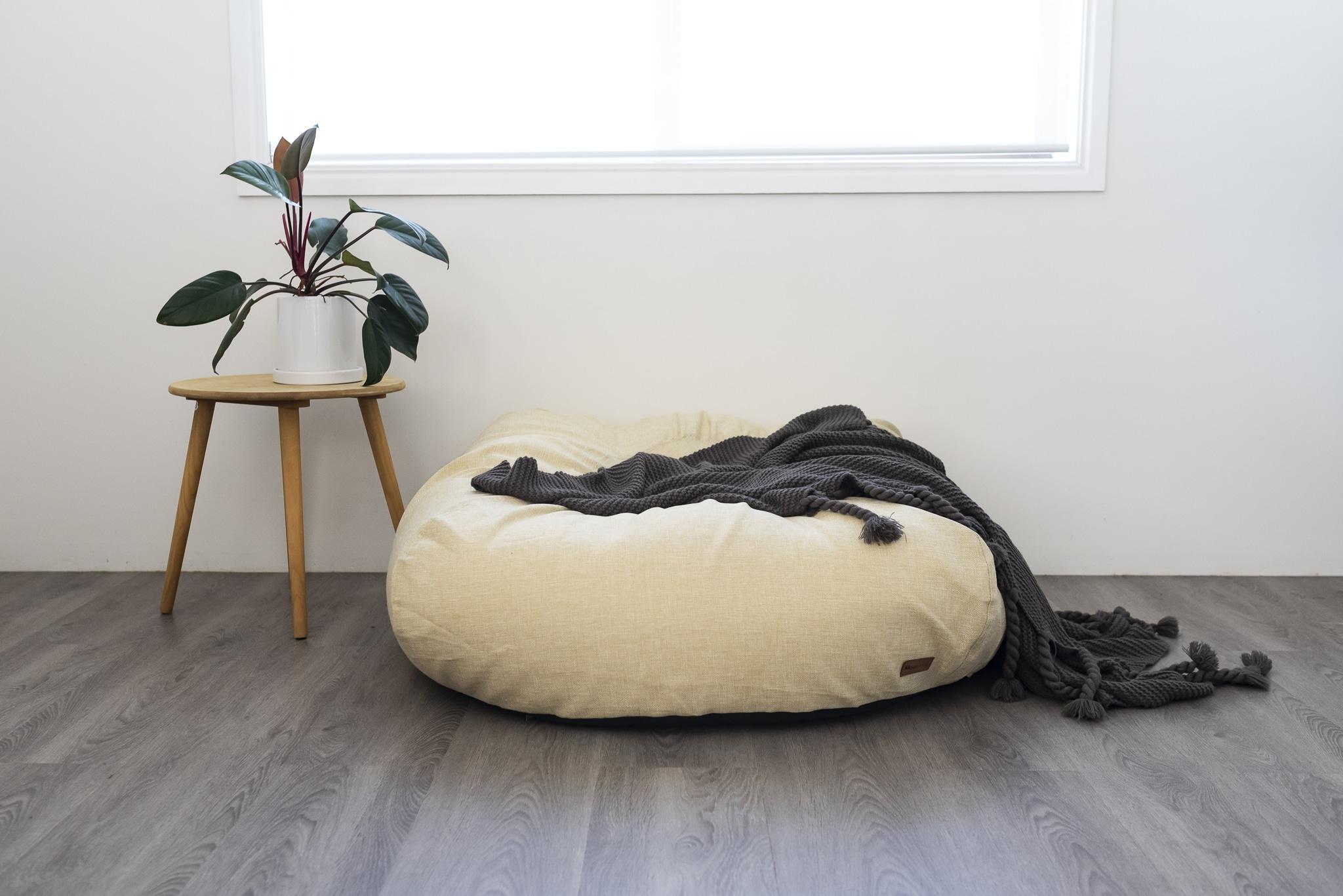 nat round mound on grey floor